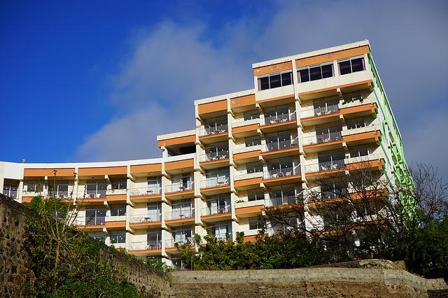 hotel-375703_640