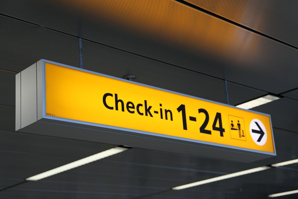 airport-20543_960_720